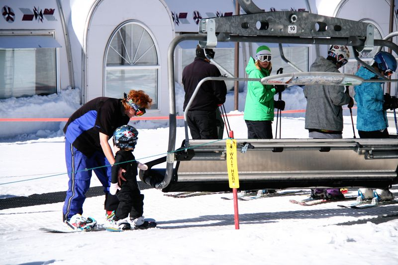 Finn_snowboarding